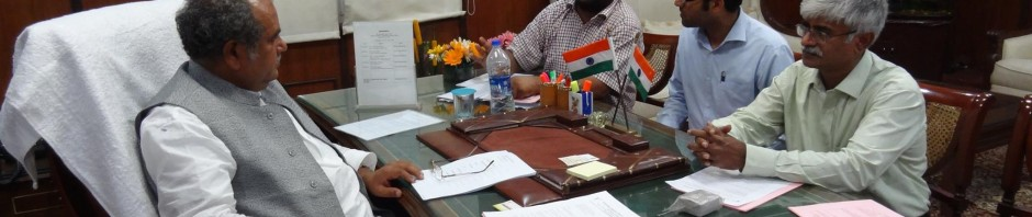 Gopal Krishna of TWA briefing Shri Narendra Singh Tomar on why asbestos should be banned on June 11, 2014